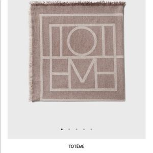Toteme cashmere blend scarf